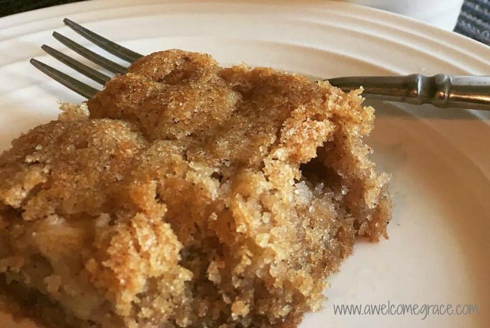 Bea's Fresh Apple Cake